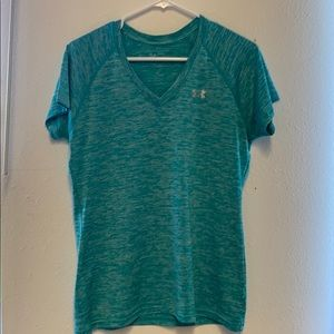Used Women's Under Armour Heat Gear top